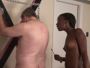black-mistress-whipping (1)