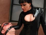 latex-mistress-femdom-002