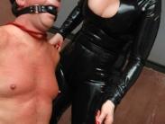 latex-mistress-femdom-010